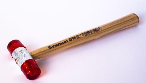 Инструмент ( молотки, лопатки, ключи, ручки, присоски и т.п)